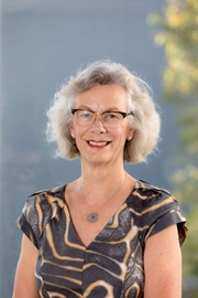 Joanna Holt