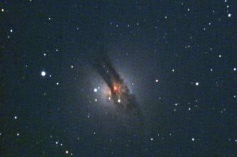 The giant elliptical radio galaxy NGC 5128