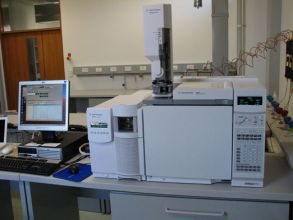 Agilent Benchtop GC-MS (6890N and 5975B) in Organic Geochemistry Lab