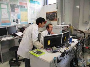 Yosuke and Simon on Pegasus in instrument lab