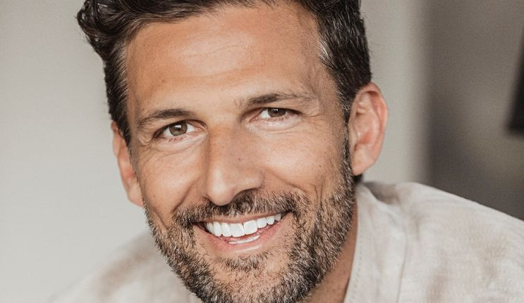 Tim Robards – A helping hand